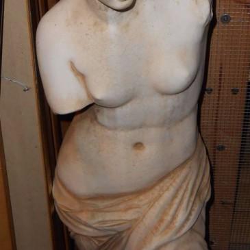 Escultura Femenina